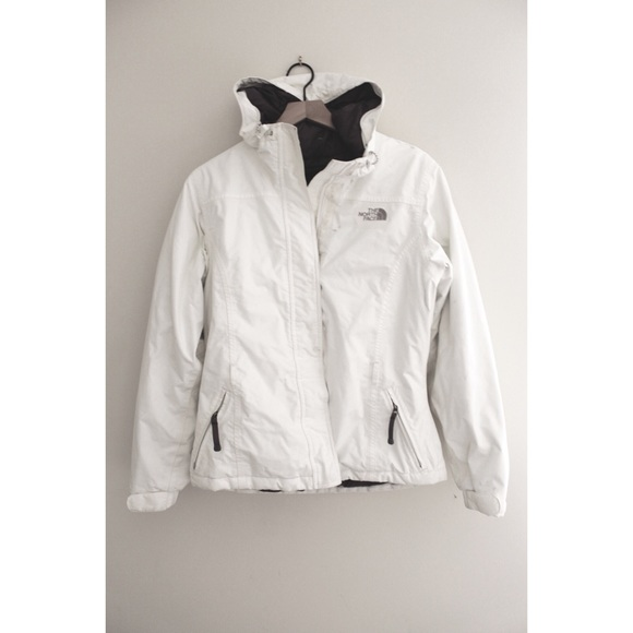 f072a9426 • NORTH FACE WOMENS WHITE FLUFFY COAT SIZE M •
